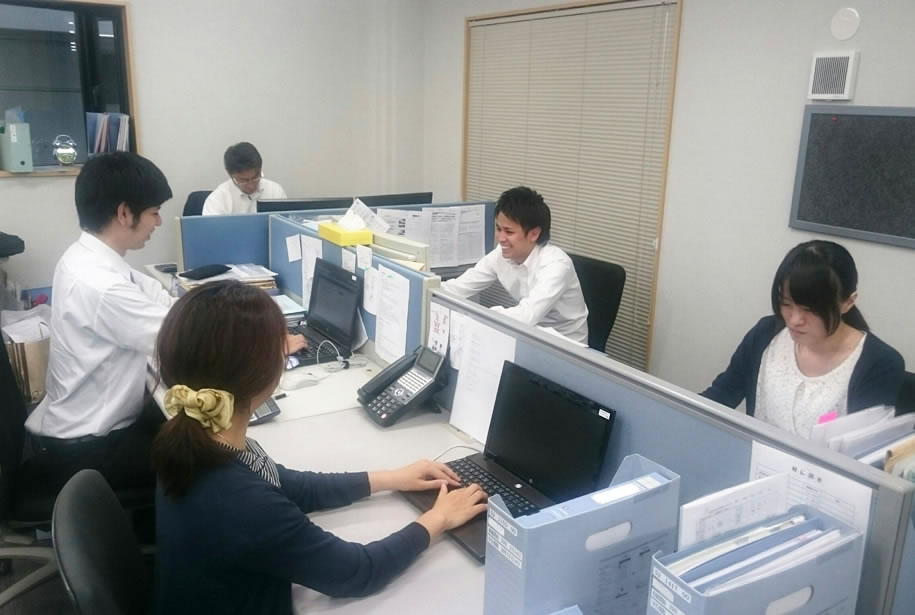 岡山事務所内観